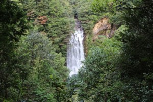 旅行人山荘 花房の滝
